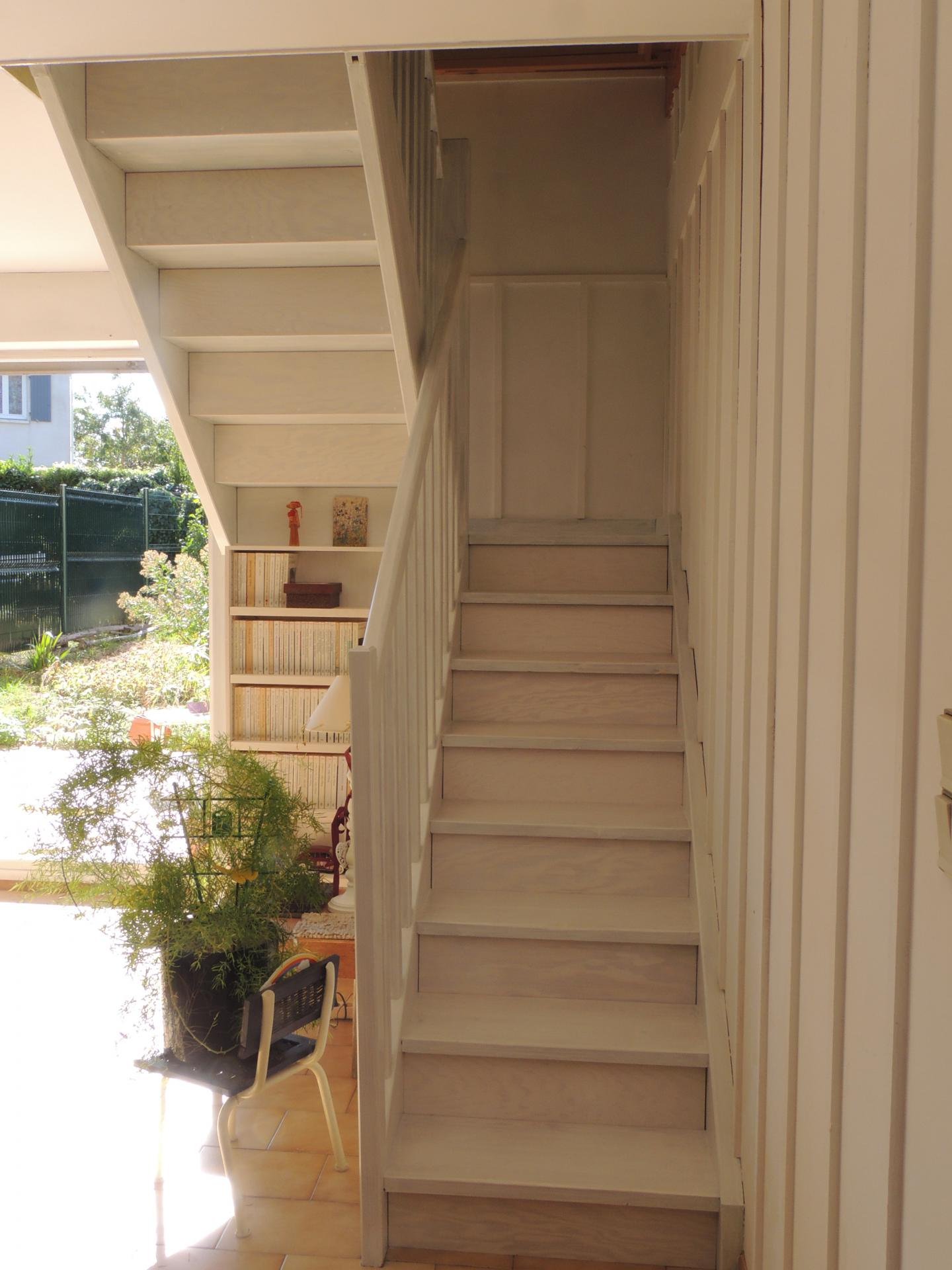 Escalier aménagé - www.ateliercannelle.com - Atelier Cannelle
