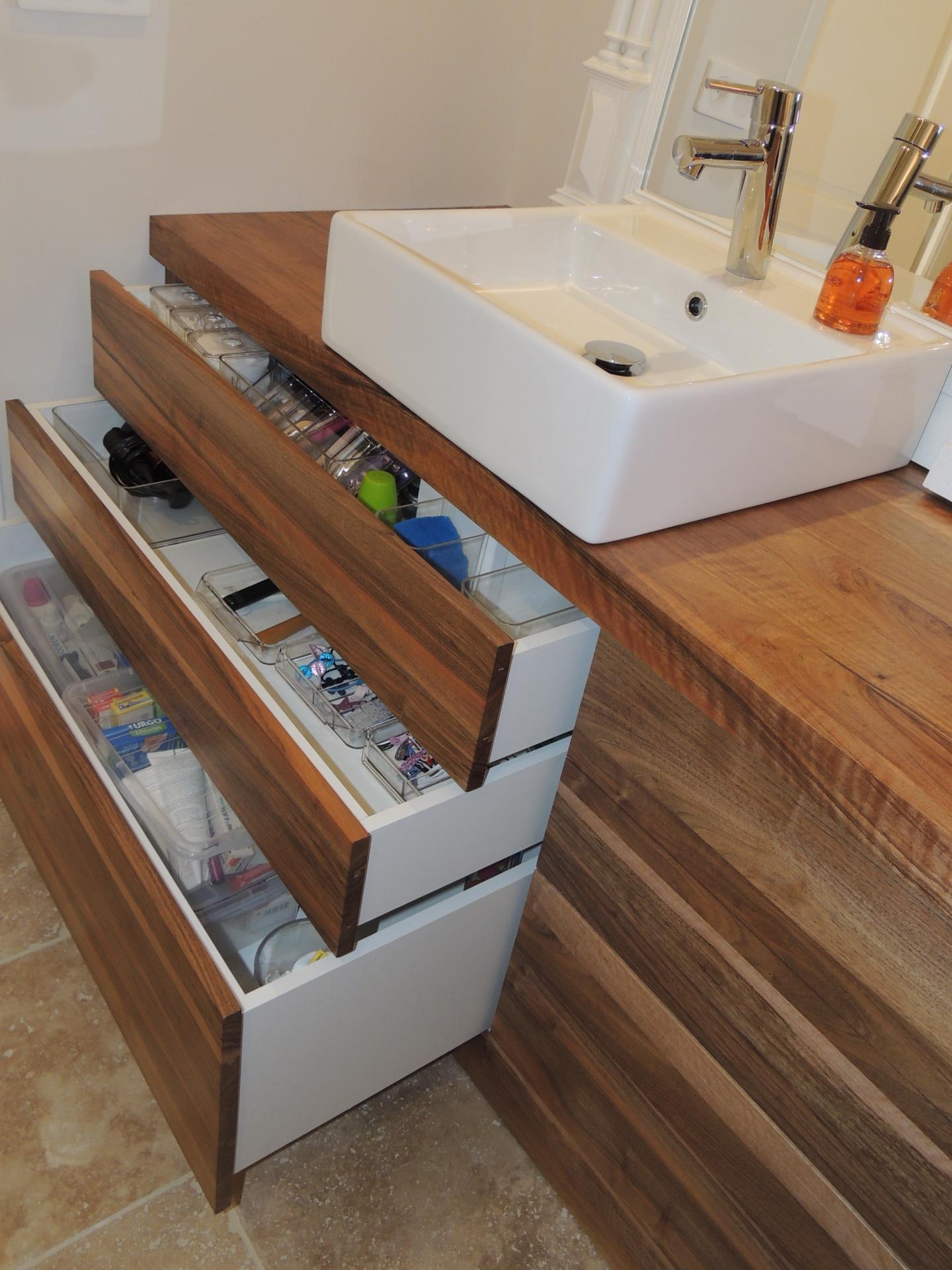 bispoke drawer - bathroom - www.ateliercannelle.com