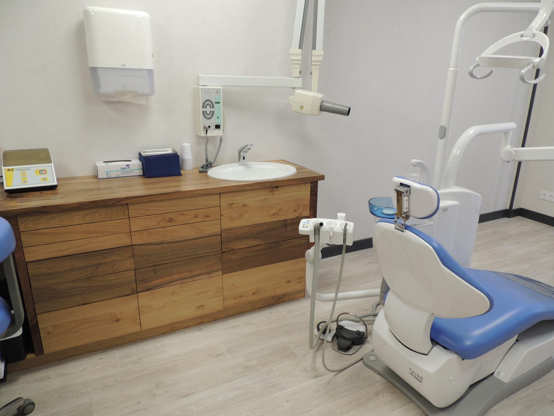Meuble cabinet dentaire - www.ateliercannelle.com