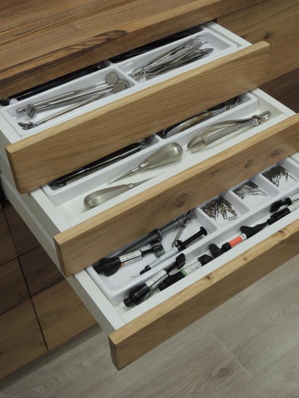 dentist furiture - dentist drawer - www.ateliercannelle.com
