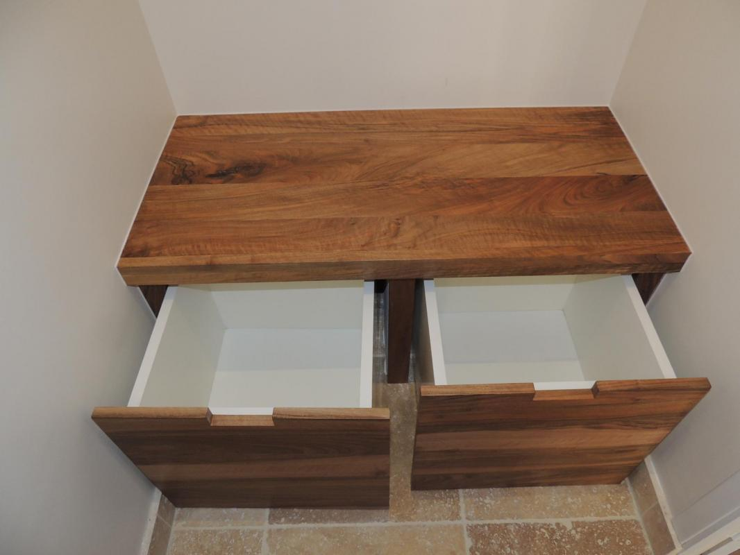 bispoke bench - plain walnut - bathroom - www.ateliercannelle.com