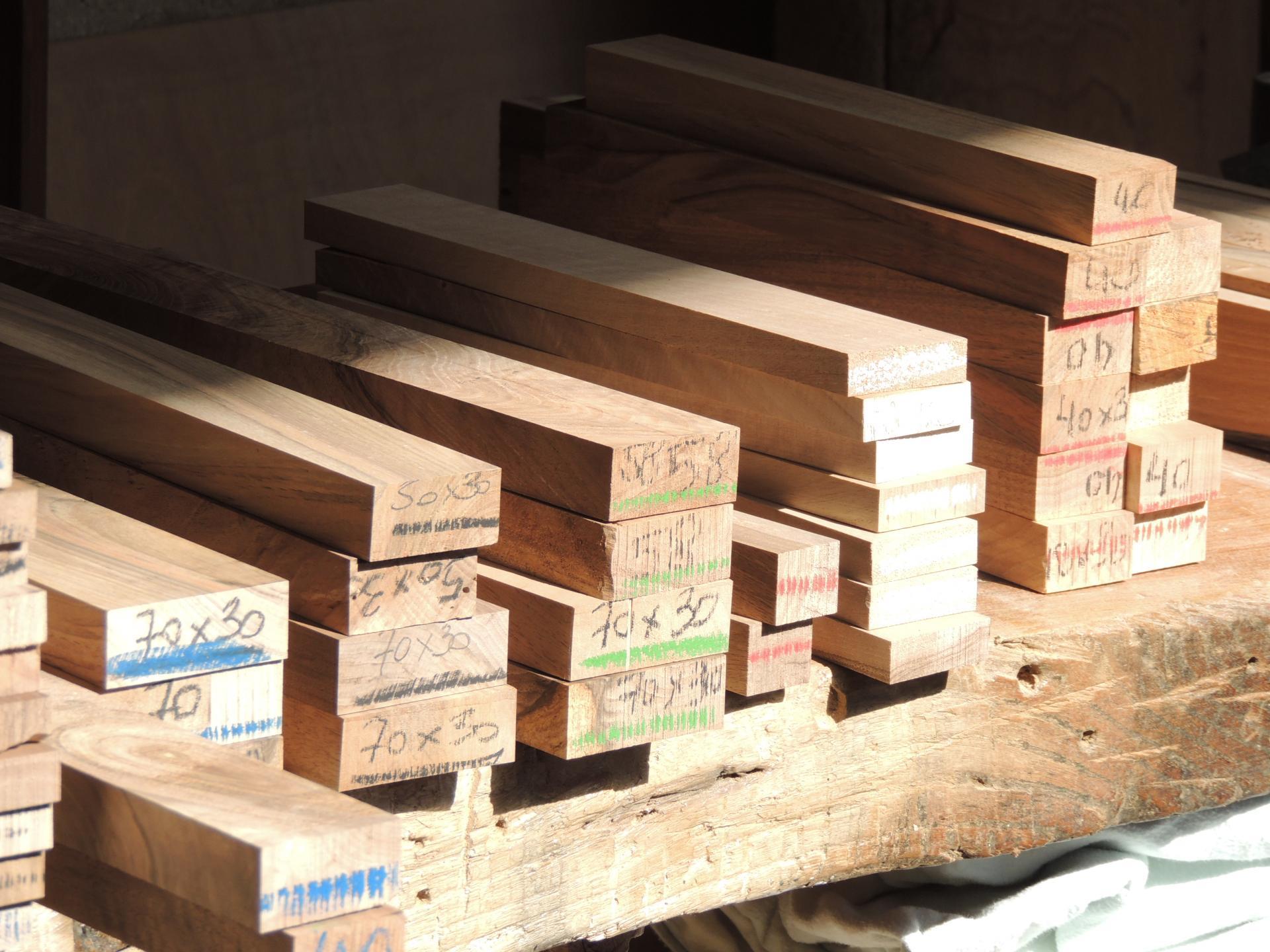 http://www.ateliercannelle.com/en/ - plain wood