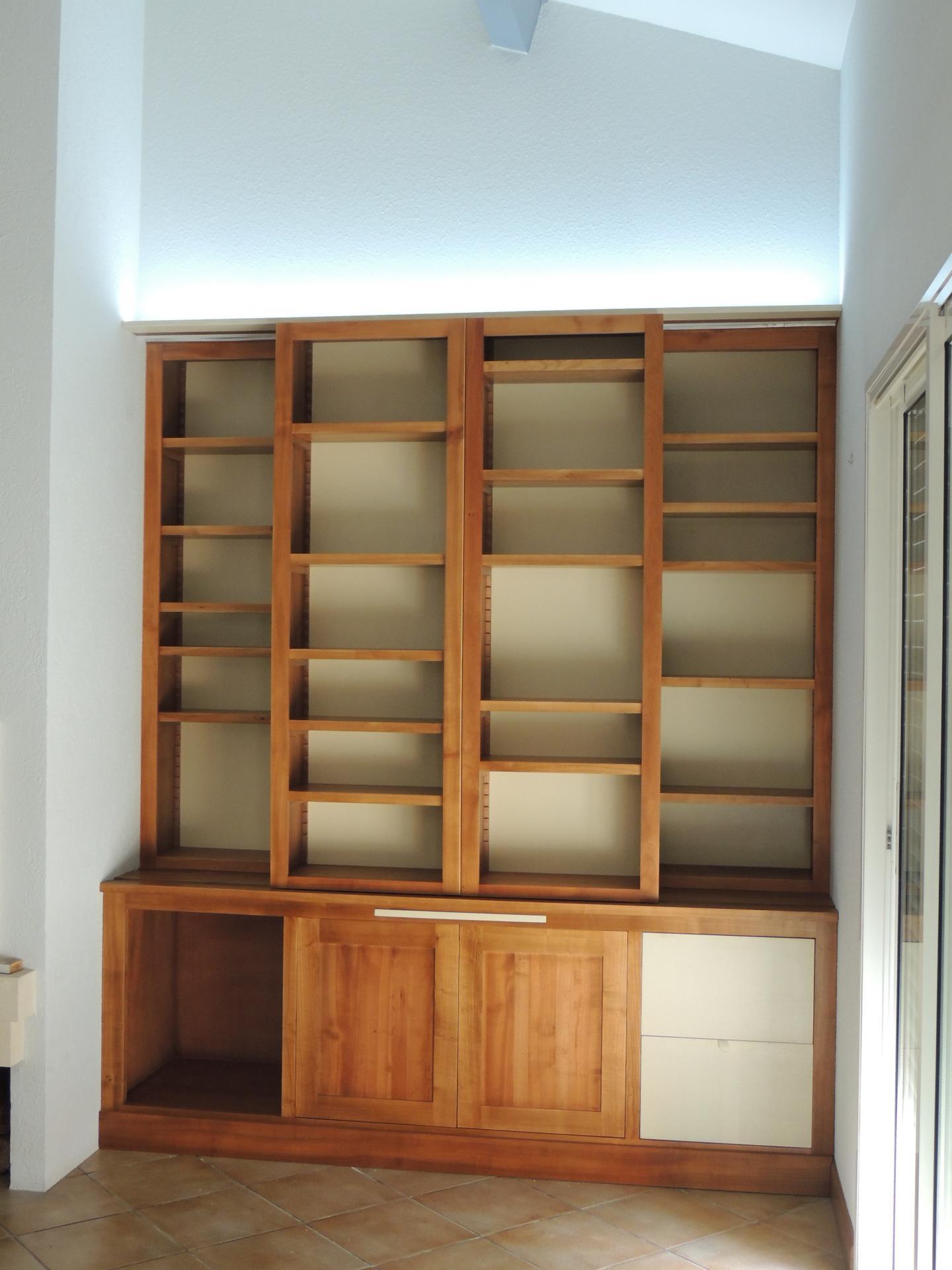 Bibliothèque merisier massif - www.ateliercannelle.com