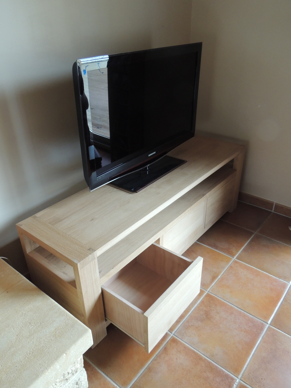 Meuble Tv Anglais Meuble Tv Blanc Arrondi U2013 Artzein Com  # Meuble Tv Anglais