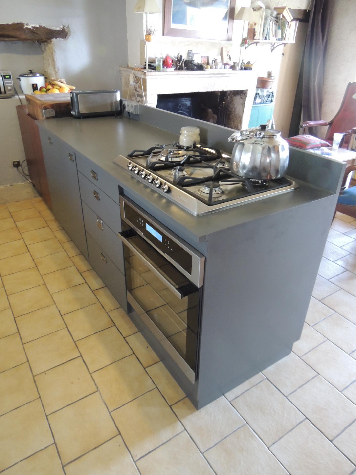 Fabrication meuble stratifi cuisine sur mesure for Cout cuisine sur mesure