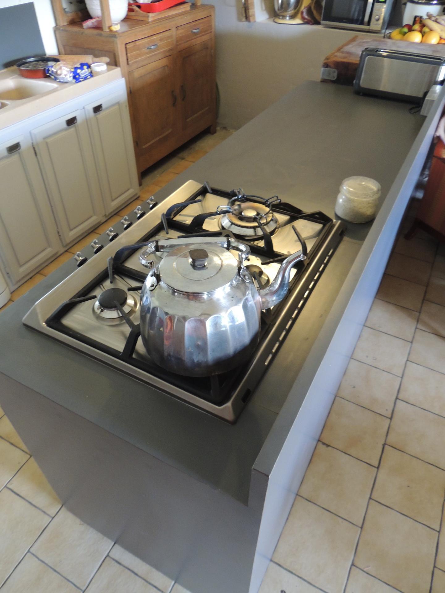 Fabrication meuble stratifi cuisine sur mesure for Cuisine meuble sur mesure