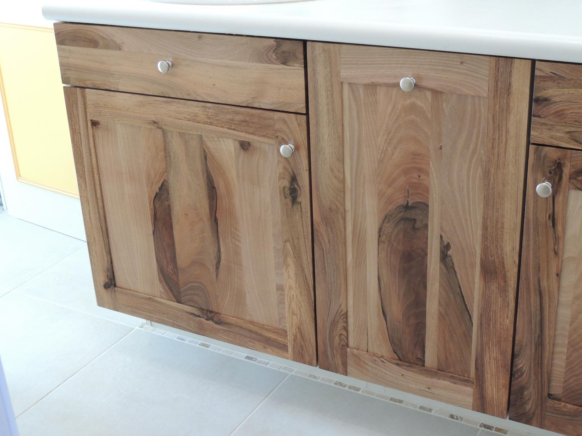 Meuble salle de bain fabrication allemande for Fabricant de meuble sur mesure